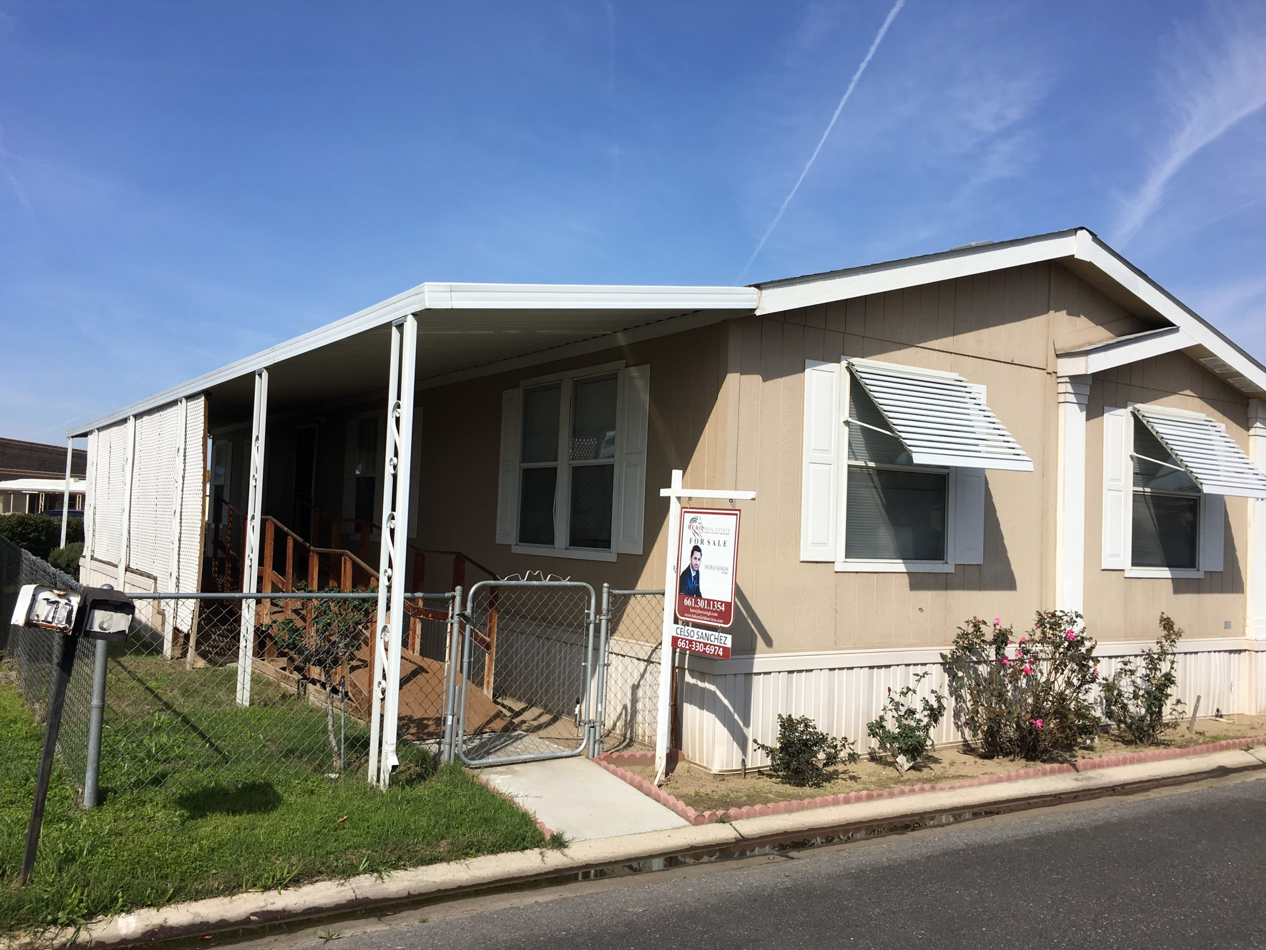 double wide Mobile home with ramp in Smoke Tree Mobile Estates